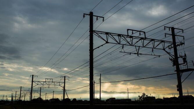 Tysiące gospodarstw bez prądu. <br />To skutki silnego wiatru