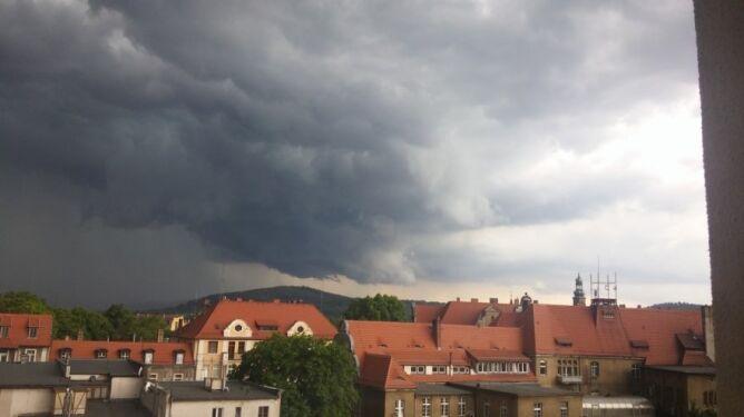 Prognoza pogody na dziś: błyskawice znów rozświetlą niebo