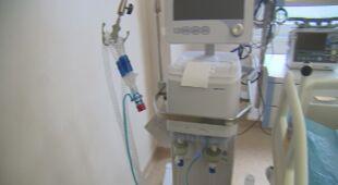 Doktor Paweł Gonerko tłumaczy działanie respiratorów
